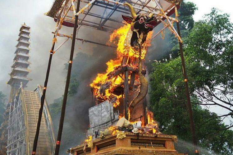 tradisi upacara ngaben di Bali