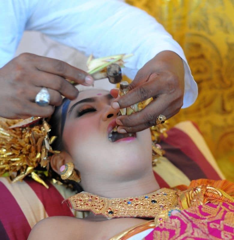 upacara potong gigi di bali