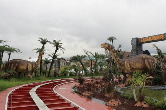 Permalink to Wisata Batu Malang 2H/1M-Petik apel dan Jatim Park